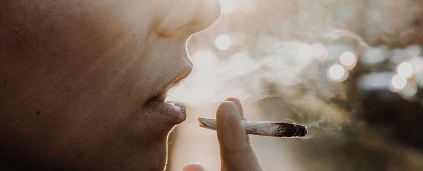 Welche Strafe droht bei Drogenbesitz?